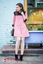 Fashion-blogger-photography-with-pink-look-in-downtown