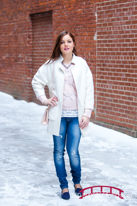 Winter-fashion-in-the-snow-in-durham-north-carolina