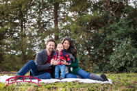 woodland-plaid-themed-family-photo-shoot-in-the-winter-for-first-birthday-photographer